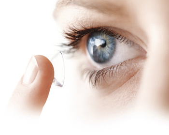 Lentilles de contact ce que vous devez savoir sur les - A quel age peut on porter des lentilles de contact ...